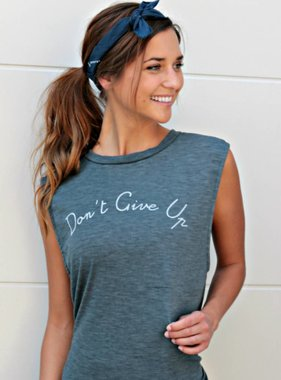 DON'T GIVE UP GRAPHIC TOP