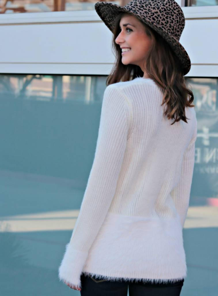 SNUGGLY SITUATION SWEATER
