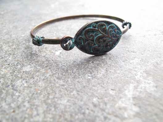 Accessories Vintage-like brass bangle
