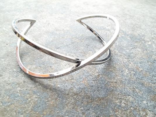 Silver Silver crossed cuff