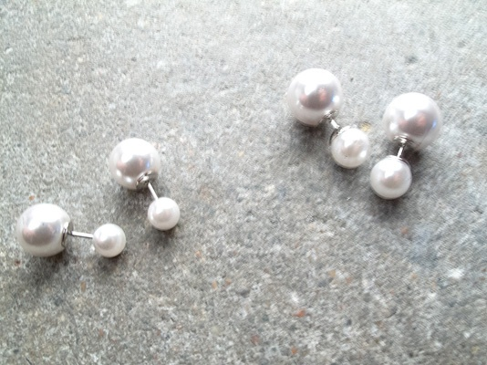 Stud White and silver double pearl