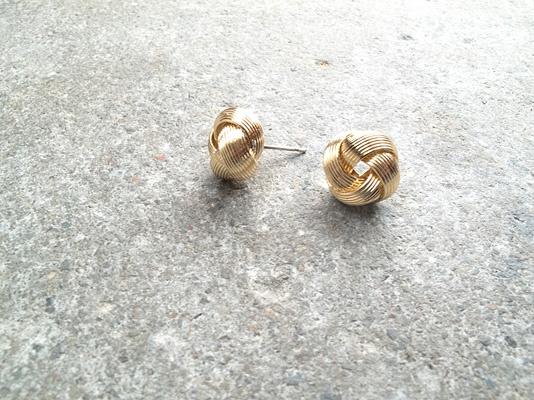 Stud Textured gold knot stud