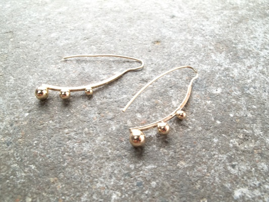 Gold Gold ball hook earrings
