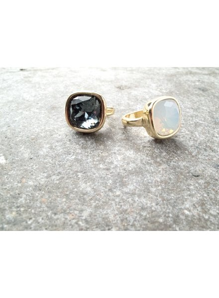 Stone Large stone cocktail ring