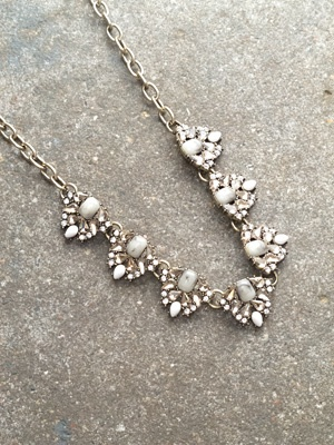 Trend Antiqued rhinestone mini statement