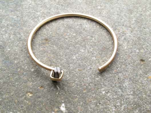 Gold Gold and single stone bangle