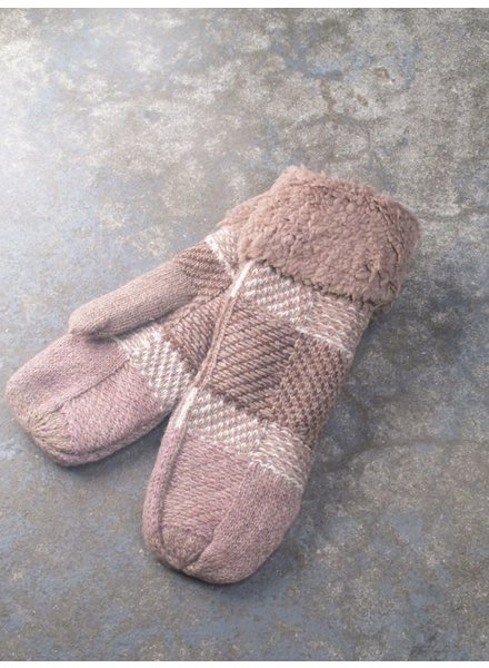 Gloves Taupe patchwork and sherpa mittens