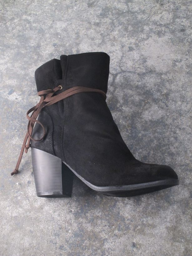 Bootie Black slouch laced ankle boot