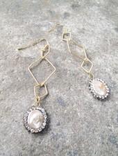 Dressy Golden triangle pearl drop