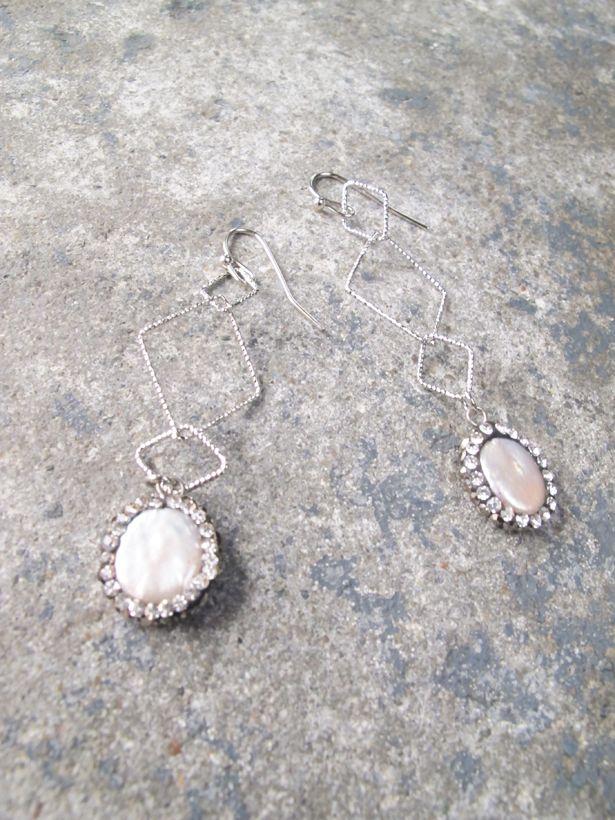 Dressy Silver triangle pearl drop