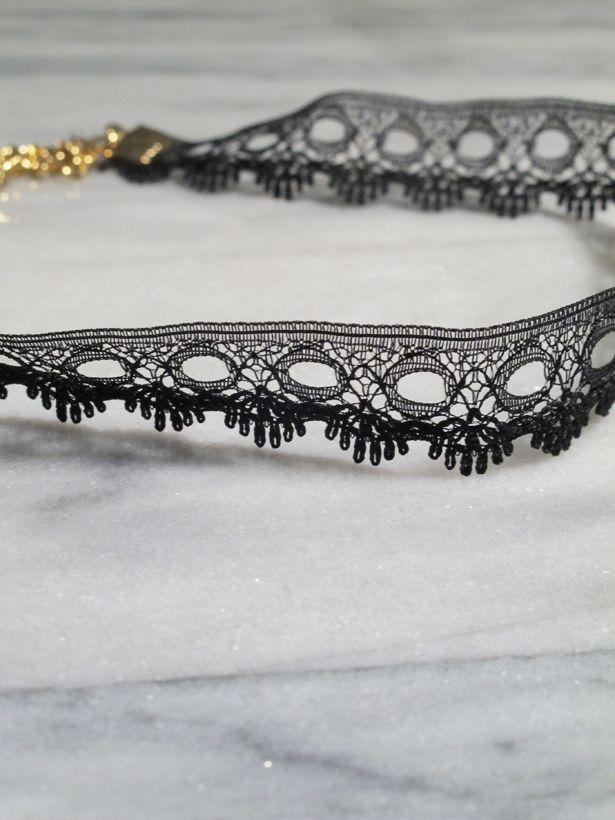 Choker Thin black lace choker