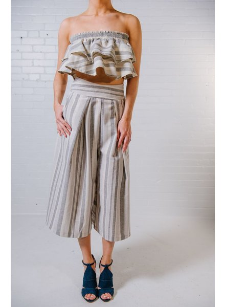 Crop Natural stripe ruffle crop *MATCHING PANTS SOLD SEPARATELY