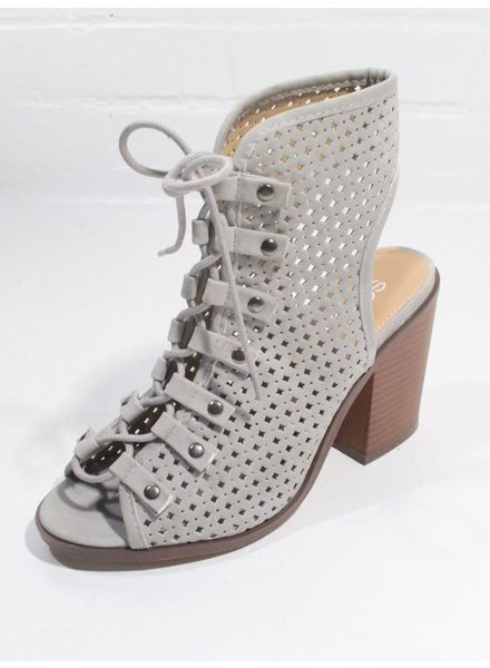 Pump Soft grey laser cut laced sandal