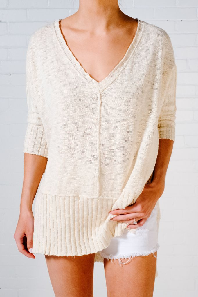 Sweater Cream v-neck knit sweater