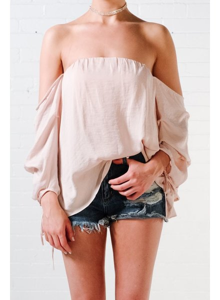 Blouse Pale pink billowed blouse