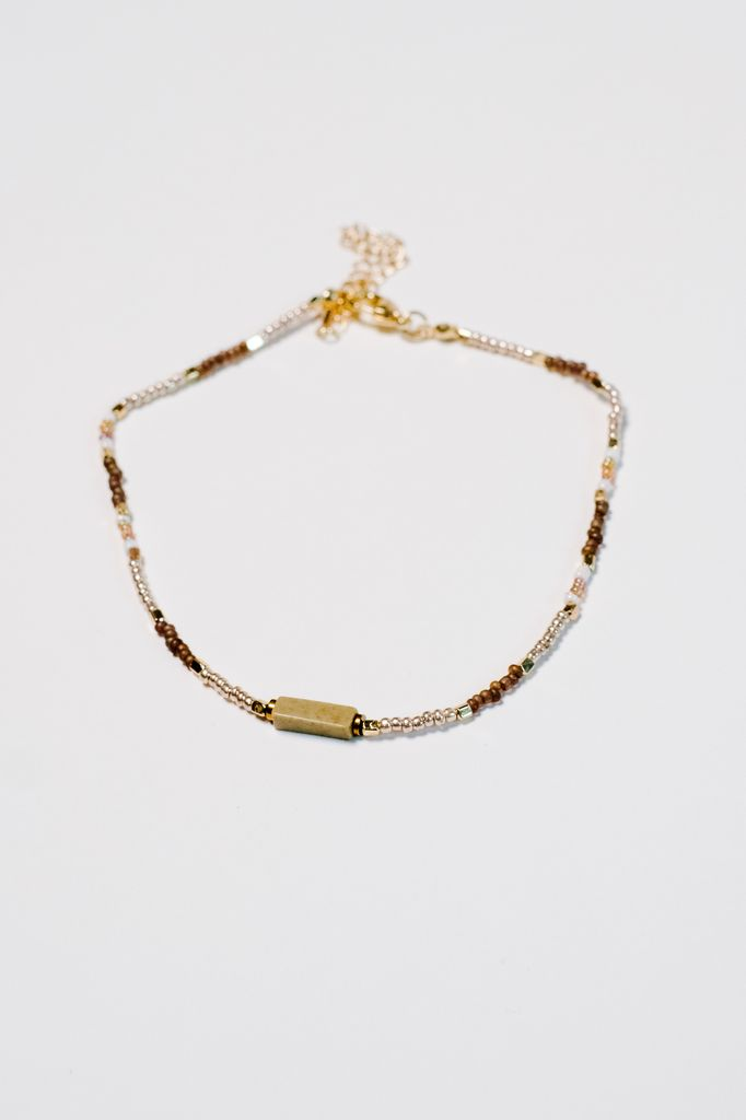 Trend Natural colored beaded choker