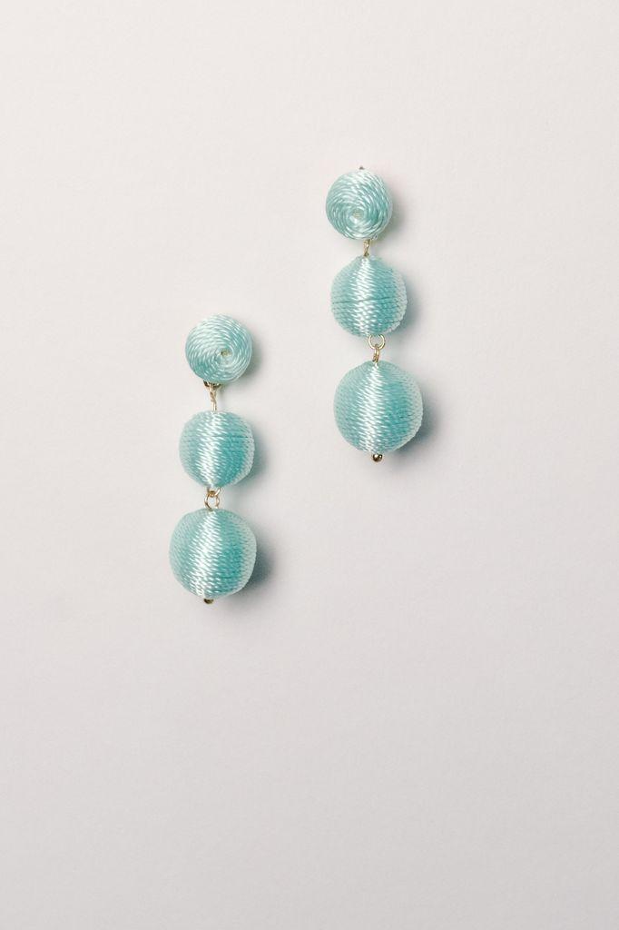 Trend Mint graduated thread ball earrings