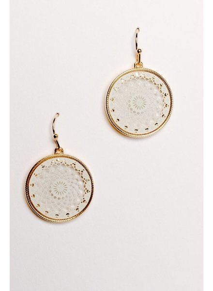 Casual White and gold lacey disk earrings