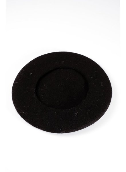 Hat Black wool beret