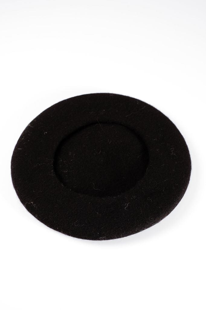 Hat Black wool beret