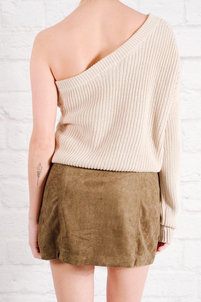 Sweater Single sleeved sweater