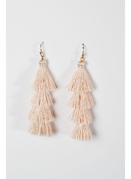 Trend Cream tier tassel earrings
