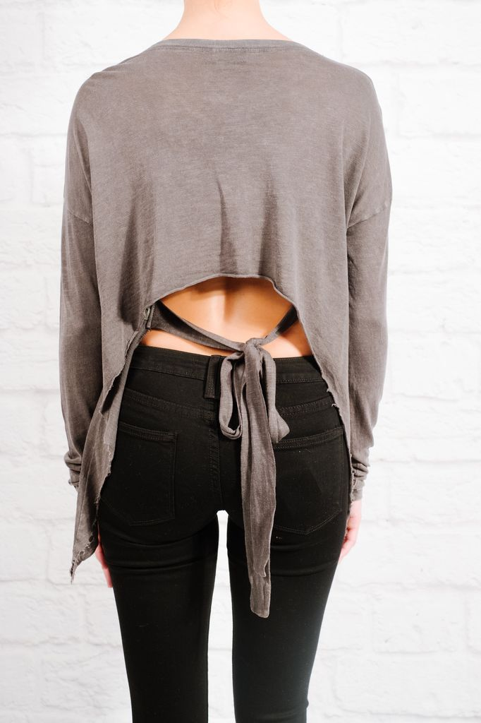 T-shirt Tie & cropped back tee