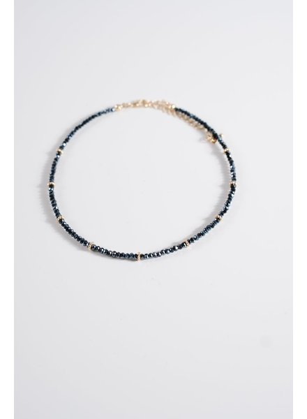 Choker Iridescent navy beaded choker