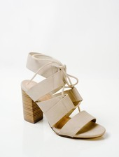Pump Dove stacked heel sandal