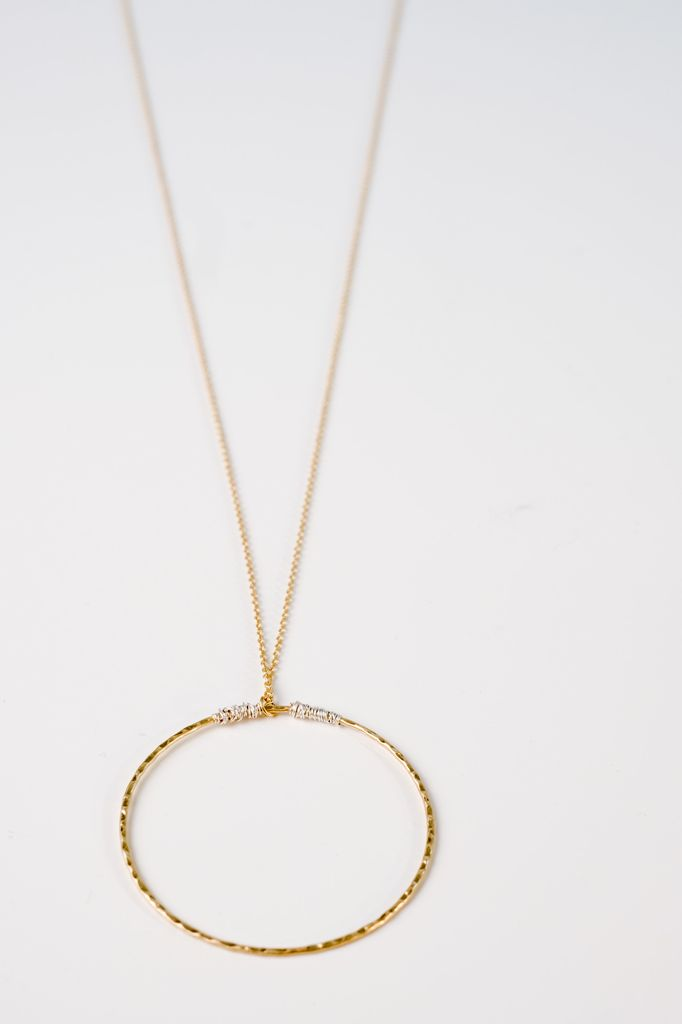 Long Dainty open O necklace