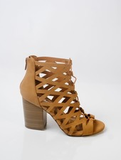 Pump Tan caged and laced shoe
