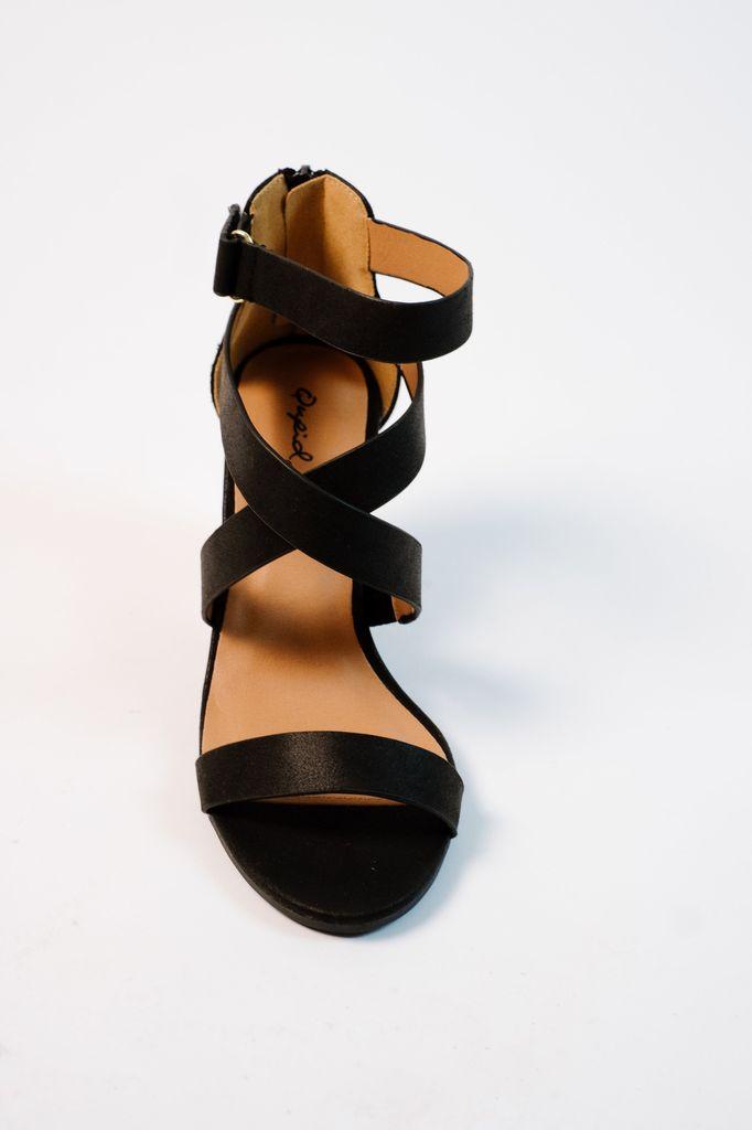Sandal Black velcro strap block heel