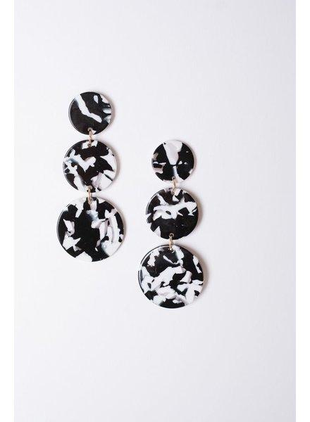 Trend B&W marbled triple disk earrings