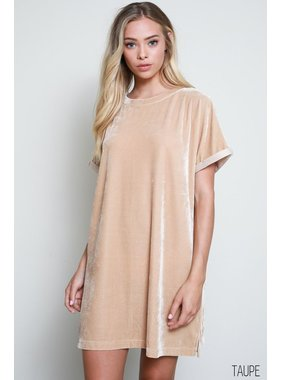 Wishlist, Inc. Faux Velvet Oversized Dress