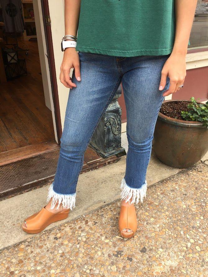 Trend:Notes Frayed Straight Leg Denim Jeans
