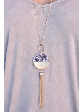 Caroline Hill Say Resin and Metal Pendant Necklace with chain tassel
