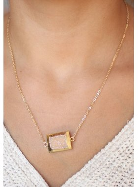 Caroline Hill Frodo delicate chain necklace with gold wrapped druzy sone