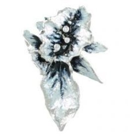 Frozen Leaves Pendant Slide enamel and 3 diamonds 3 of 3