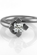 square prong sapphire . ring (sz: 6.5)