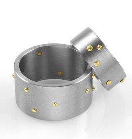 'riveted' wide band . ring (sz: 9.75)