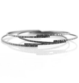 hammered stack bangle . bracelet
