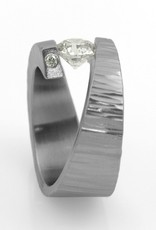 'stars cross' tension-setting, 6mm FB Moissanite . ring (sz:6.25)