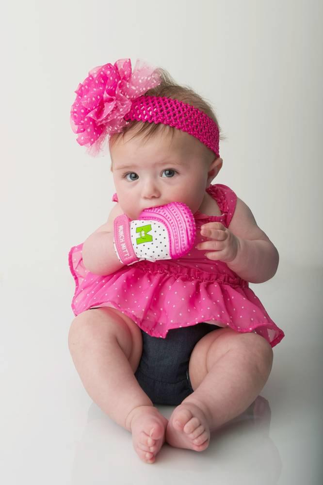 Munch Baby Inc. Munch Mitt - Pink Shimmer