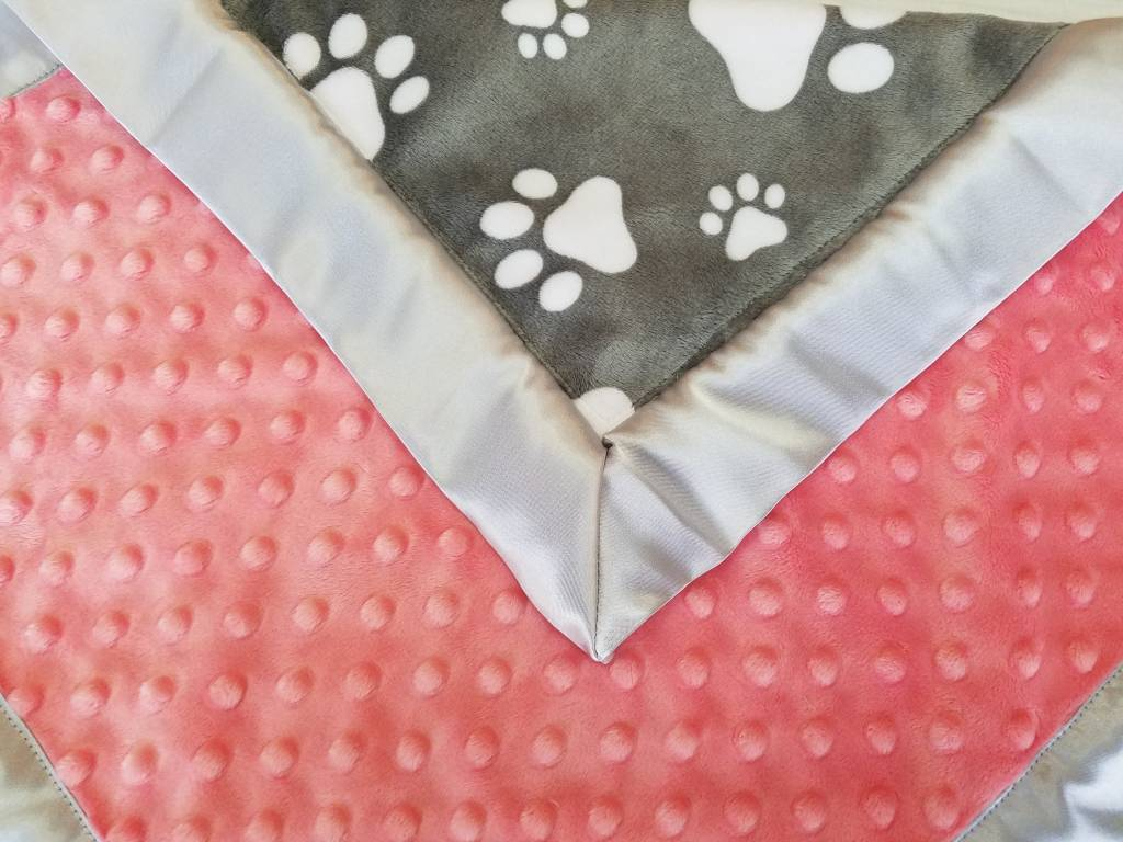 Hilltop Baby and More Car Seat Lovie - Gray/Pink Paw Prints