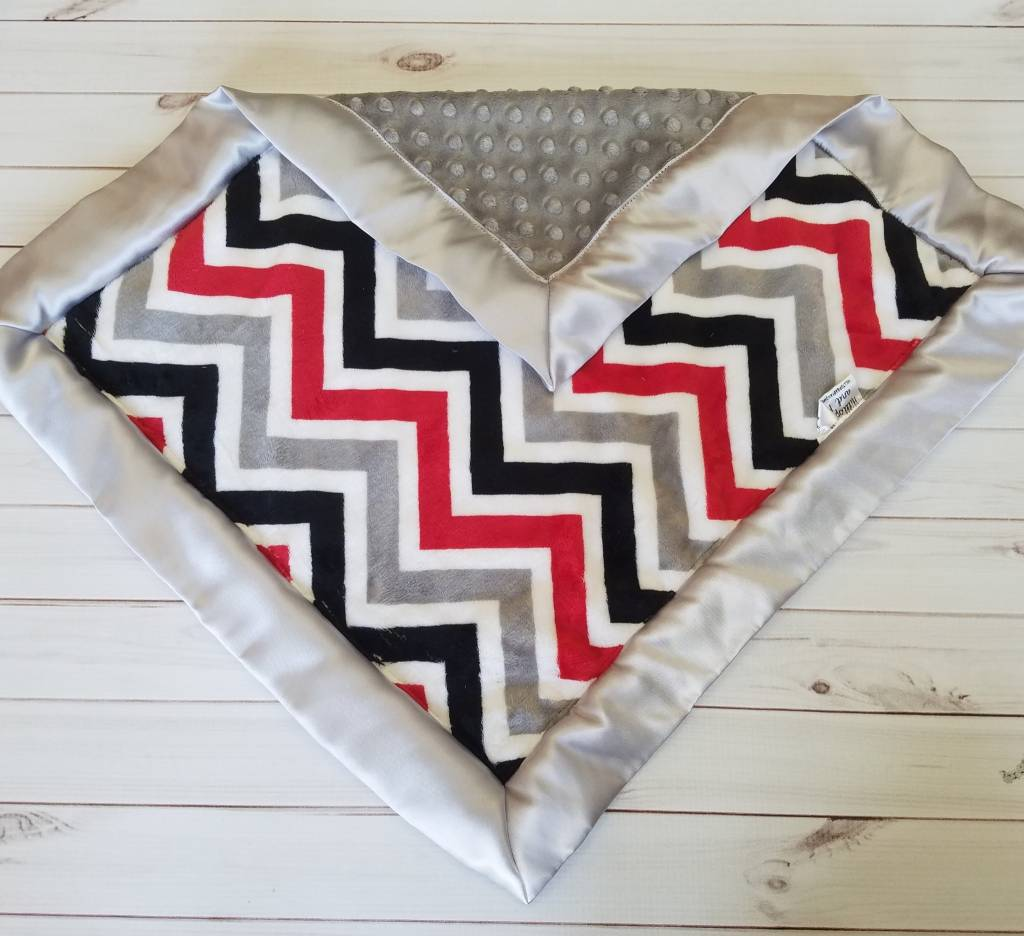 Hilltop Baby and More Car Seat Lovie - Red/Grey Chevron
