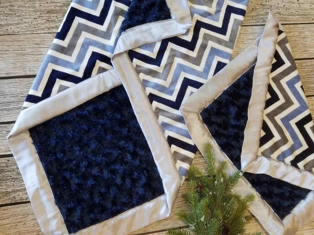 Hilltop Baby and More Car Seat Lovie - Navy/Gray Chevron