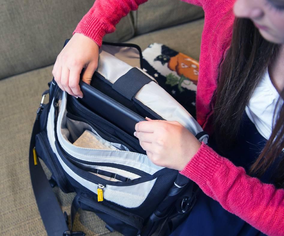 ZionBags Embark Messenger Bag