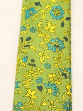 Robbins & Brooks Polyester Pocket Tie- Green Design with Green Flower Pattern