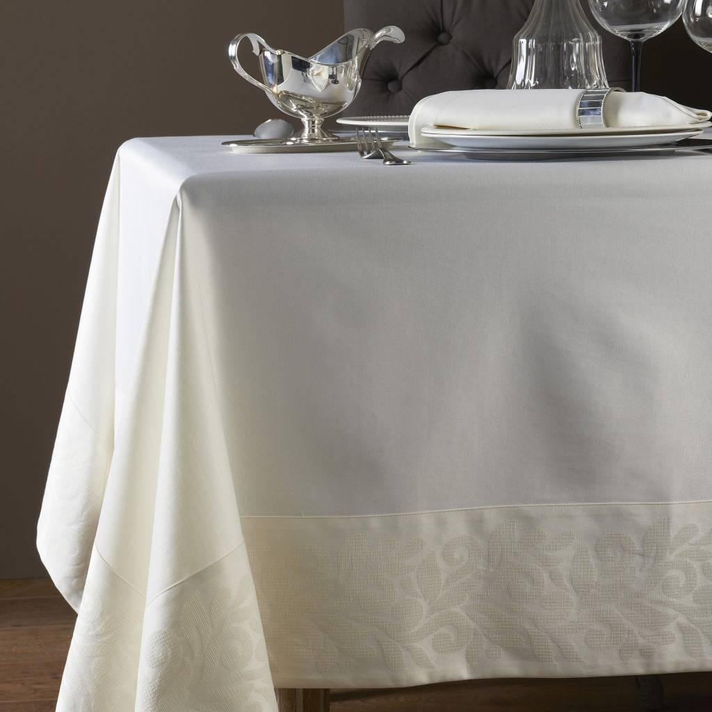 ... Mode Living Geneva Cream Tablecloth 70 X 144