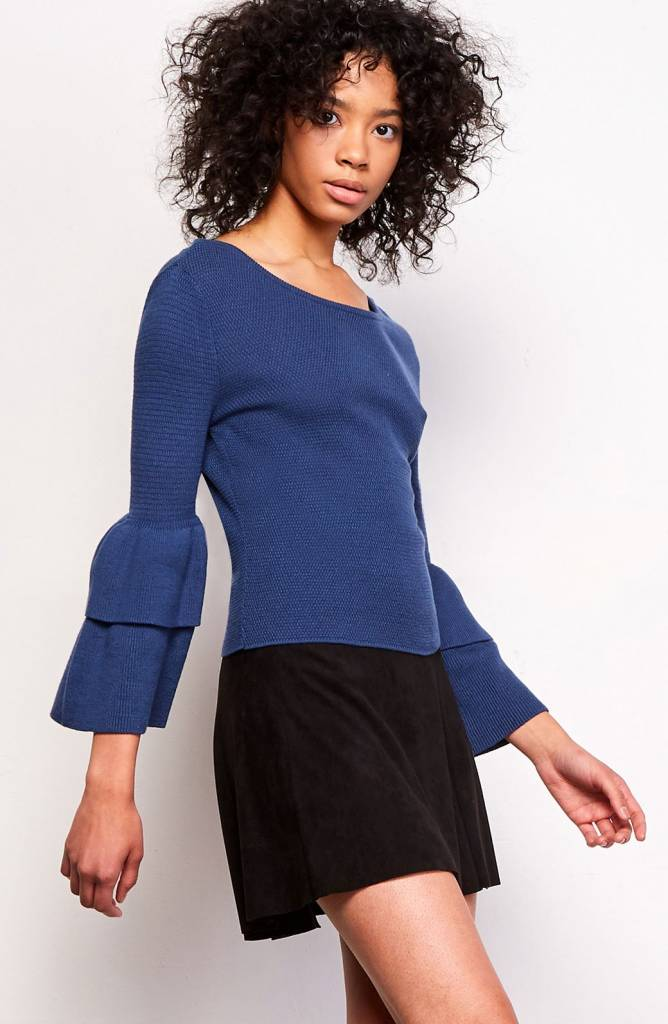 JACK BY BB DAKOTA ALANIS RUFFLE SLEEVE SWEATER